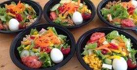 VERT & FRAIS vous propopose ses salades composées Bio et Locales, par livraison.